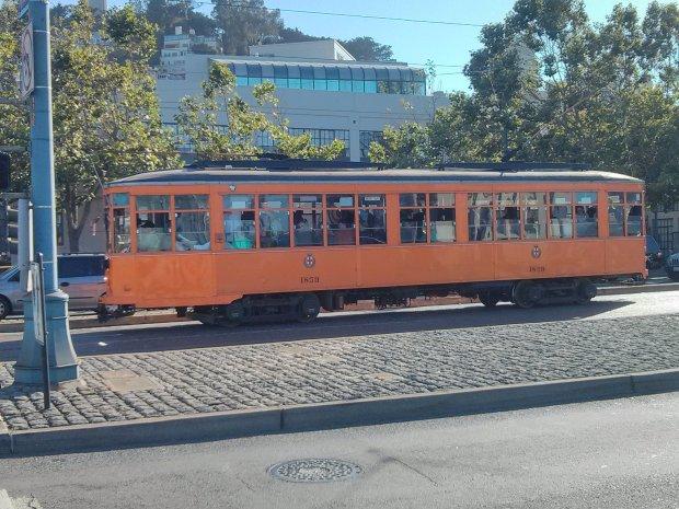 Famoso tram arancione di San Francisco