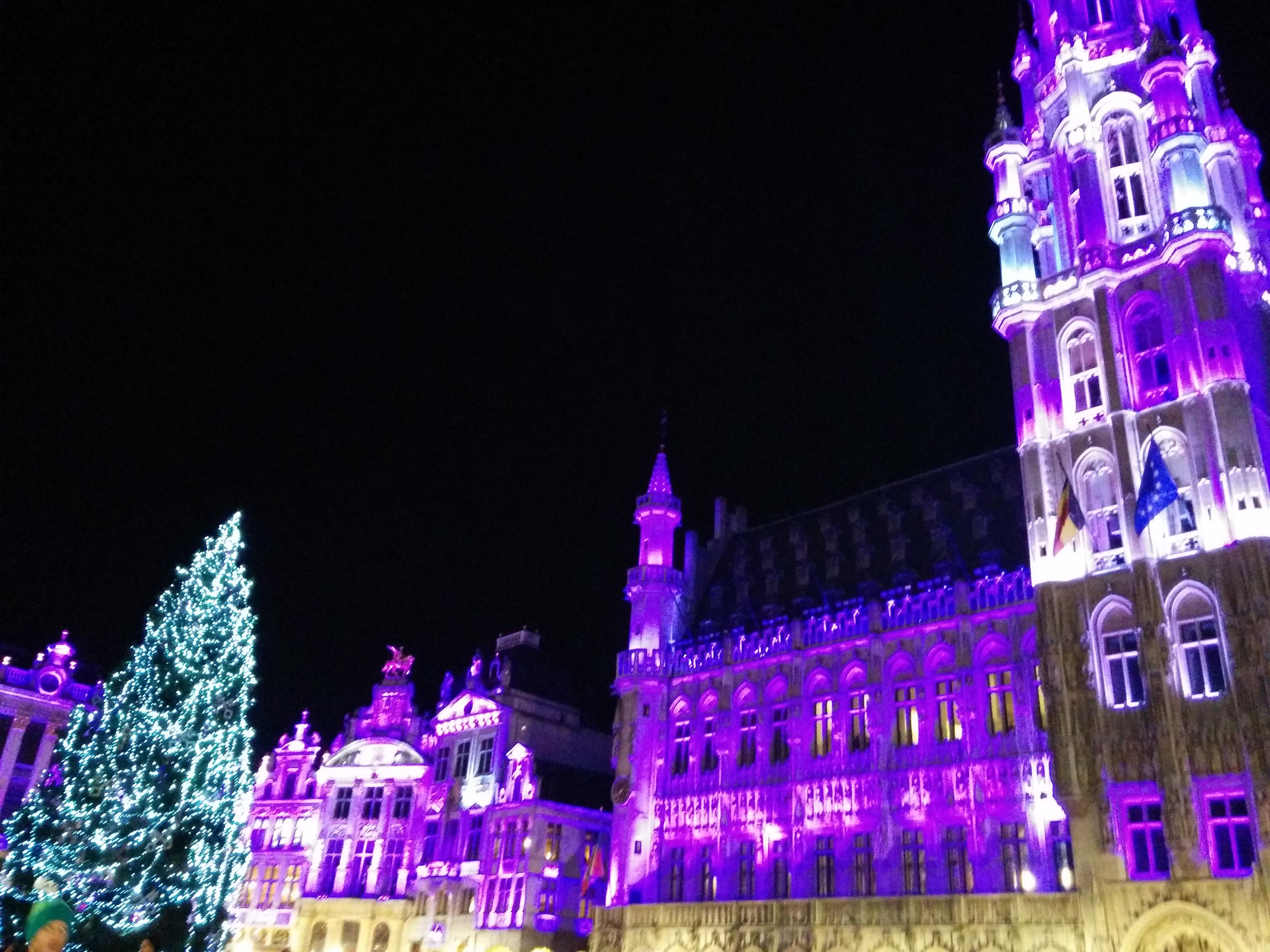 Piazza Bruxelles sotto Natale a novembre