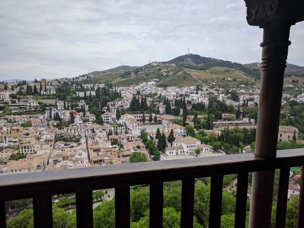 Vista della città da un balcone dell'Alhambra