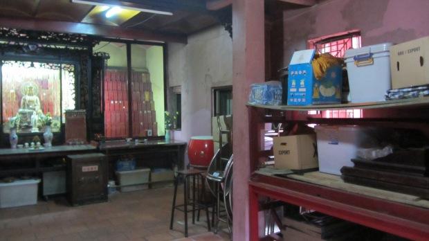 interno tempio vietnamita curioso: Ngọc Hoàng Pagoda