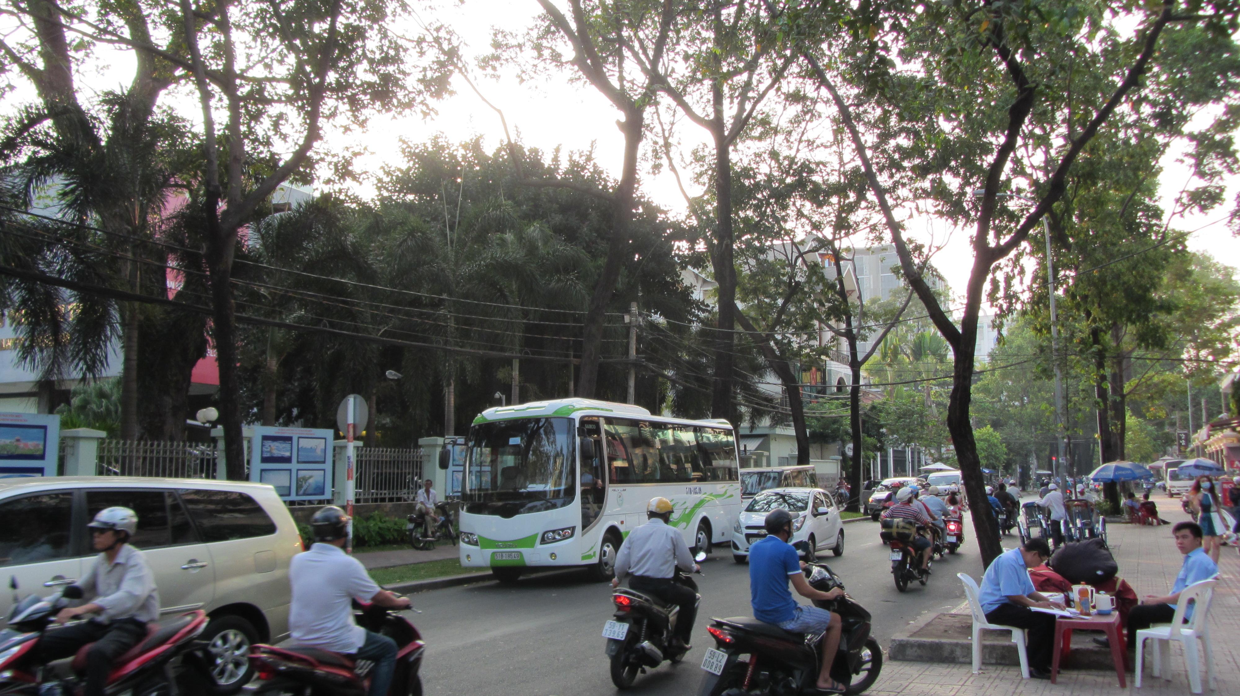 Strade Vietnam street food Pho