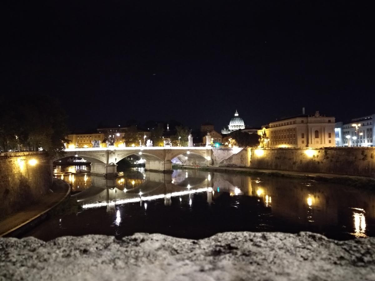 Roma Tevere notte luci