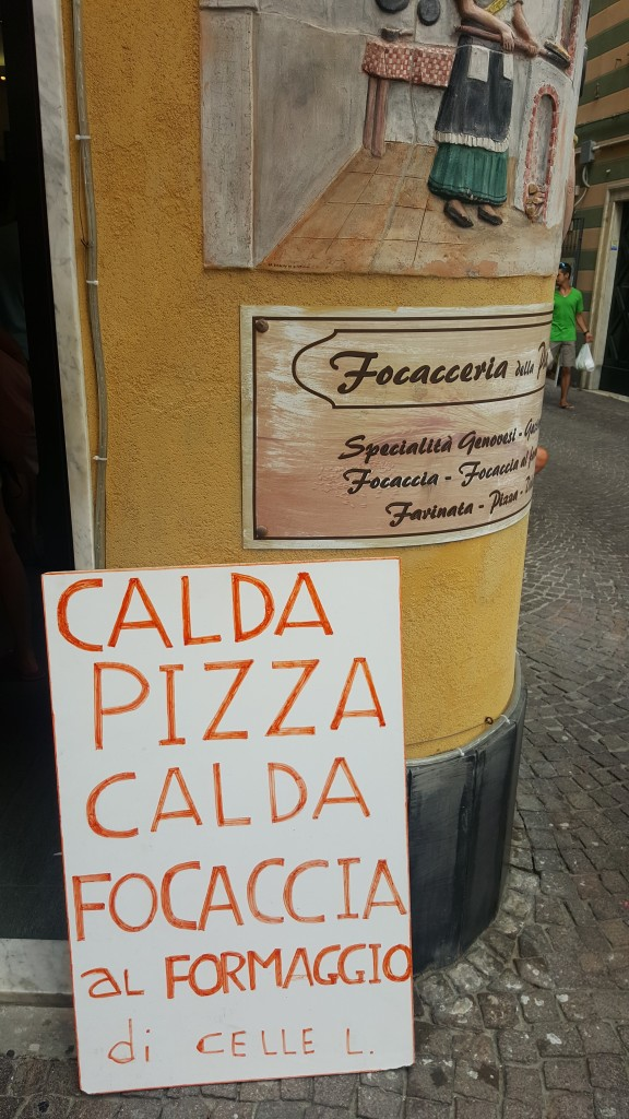 cartello Focacceria in piazza